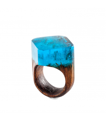 WOODEN RING WITH DARK GREEN RESIN