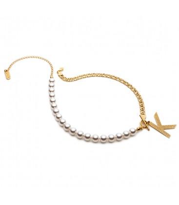 Choker z pereł i łańcuszka z literą, pancerka, Swarovski, kolekcja YA