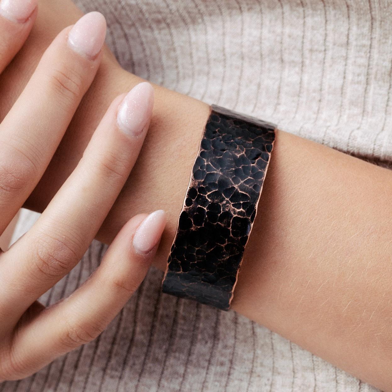 Copper bracelet with cross shape