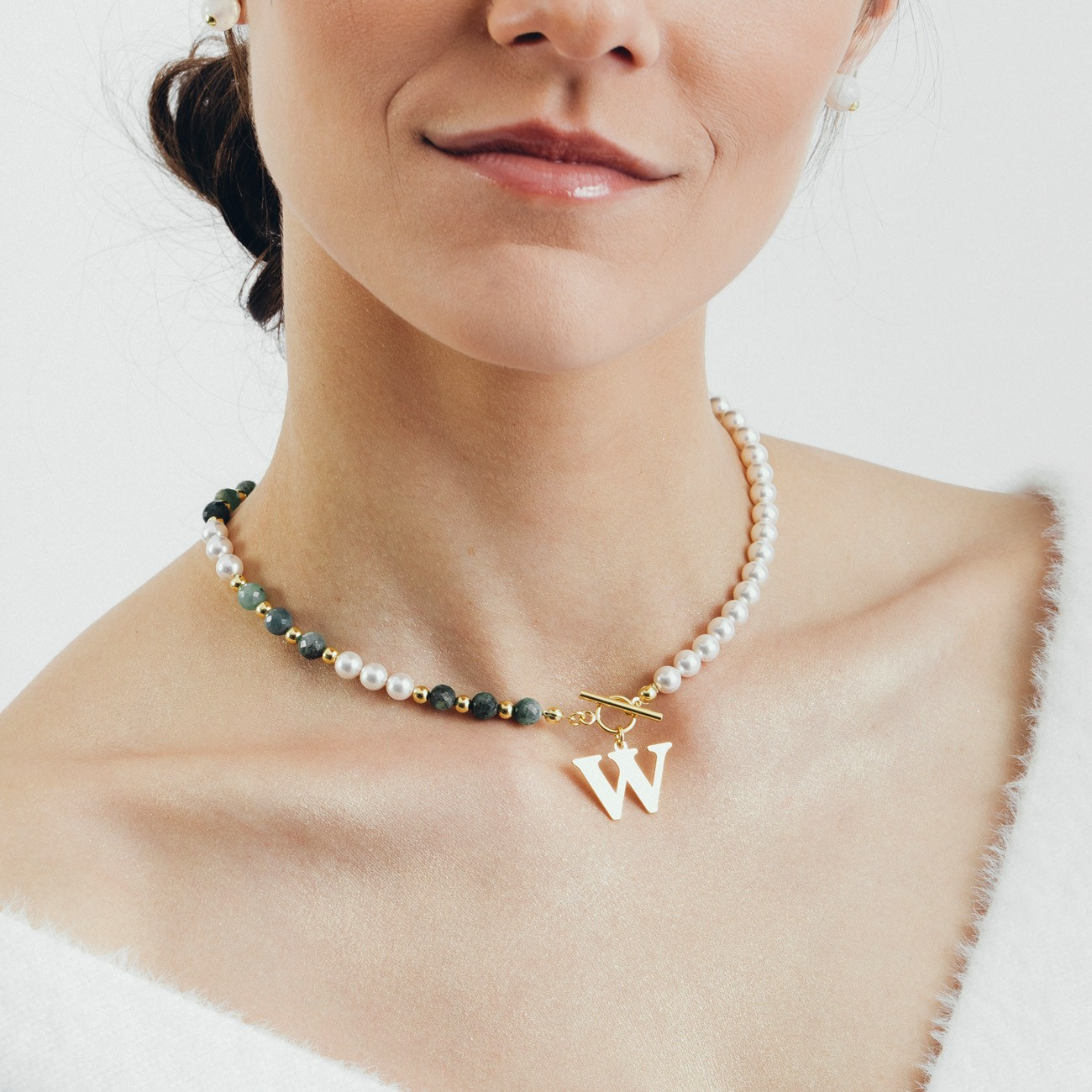 Emerald pearl choker with your letter, sterling silver 925